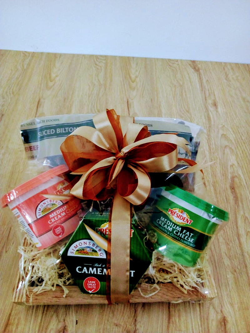 CHEESE AND BILTONG HAMPER