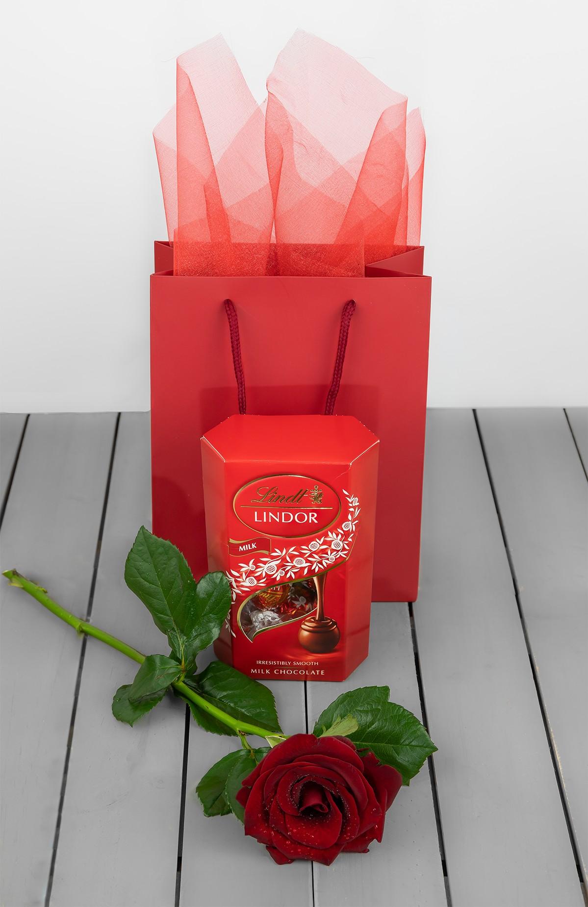 Lindor Chocolate And Gift Bag Plus Rose