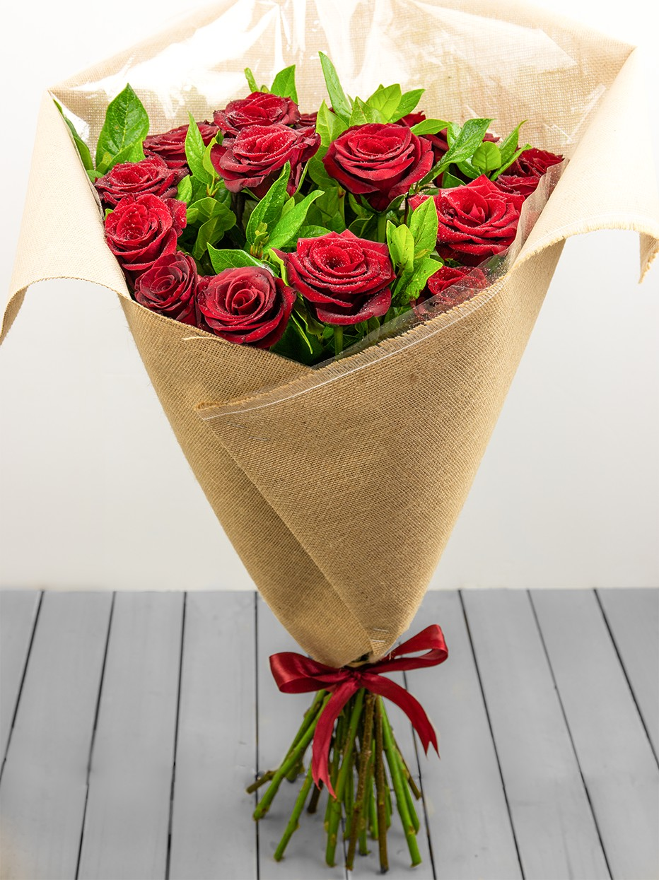 Hessian Red Rose Bouquet Large Loads Of Flowers