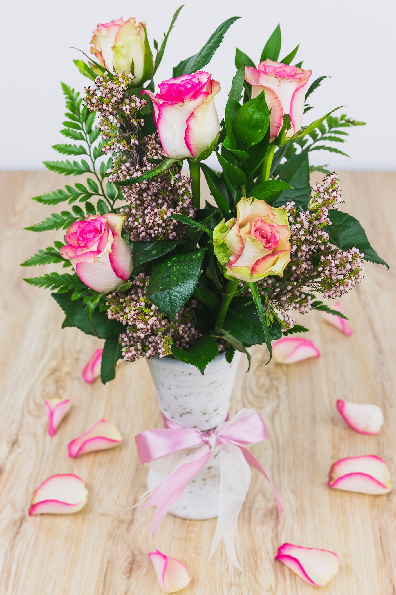 PETITE SURPRISE FLOWER ARRANGEMENT