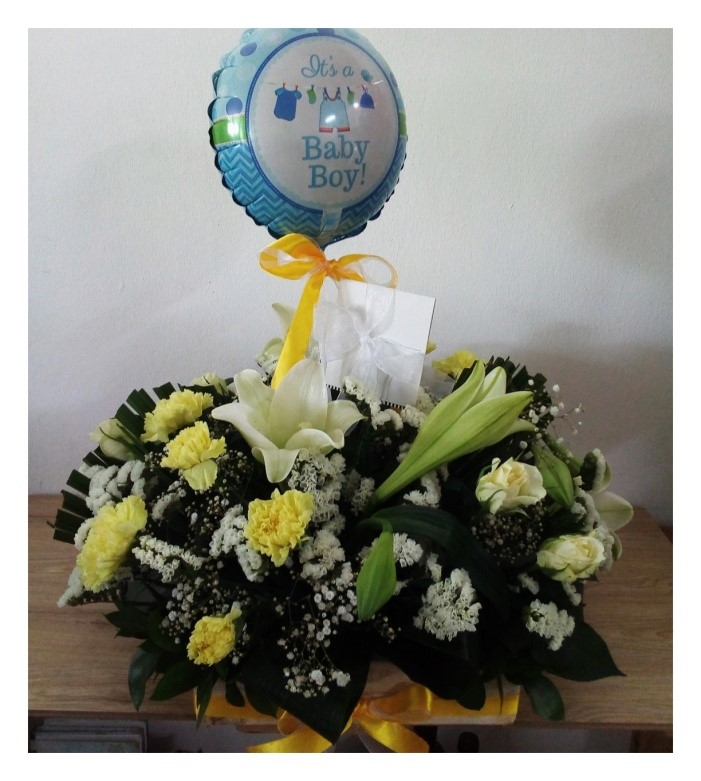 "YELLOW BOUQUET WITH ""IT'S A BOY"" BALLOON"