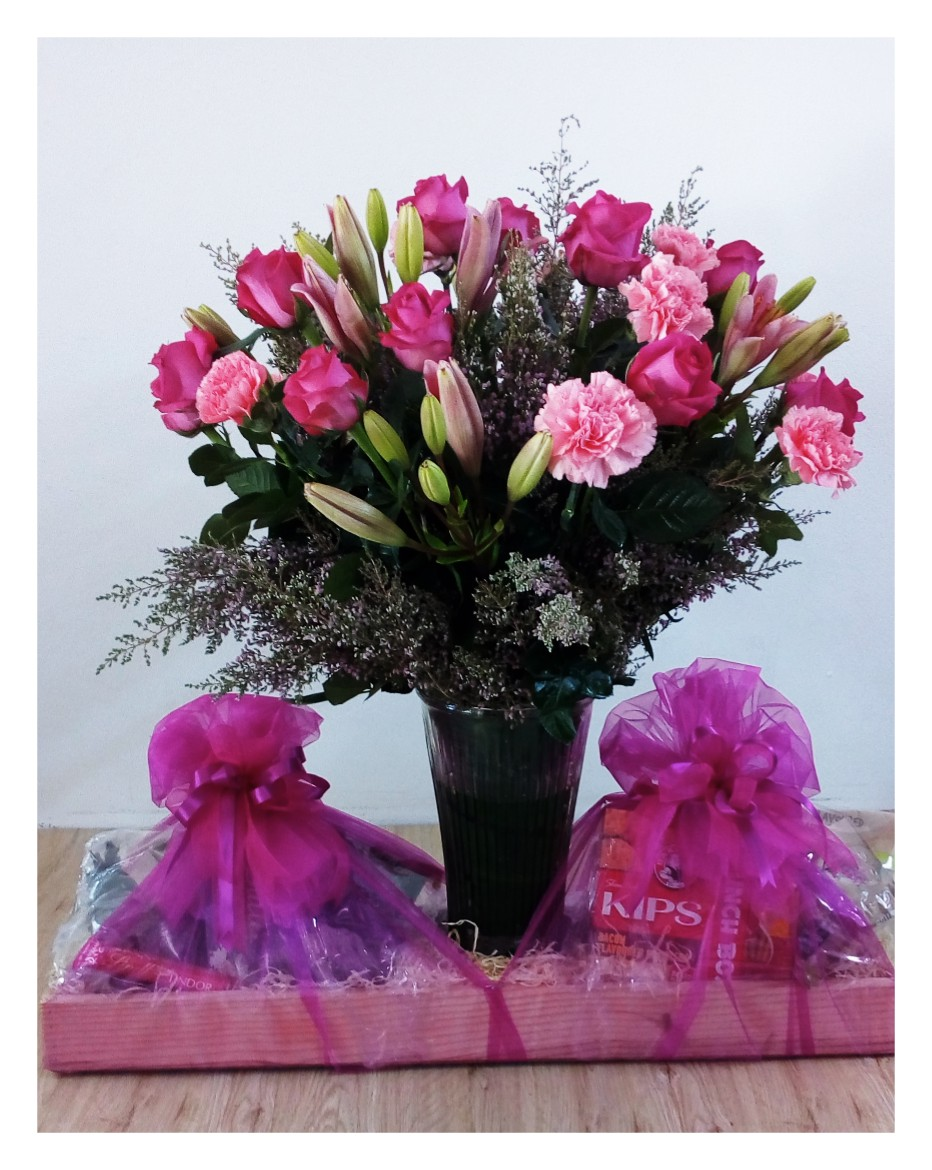 Pink Flower & Hamper Box Large